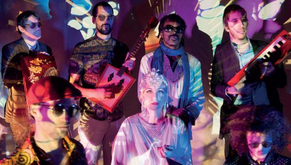 SOUNDWAY RECORDS PRESENTS VANISHING TWIN + THE HÉLIOCENTRICS