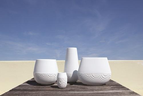 Joyce Gallery présente les 10 ans de Non Sans Raison, porcelaine de Limoges