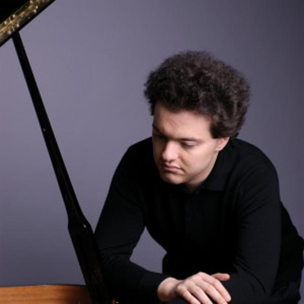 Orchestre de Paris / Evgeny Kissin / Robert Trevino - Schumann, Liszt, Chostakovitch